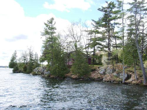 Charleston Lake Bayview Cottages
