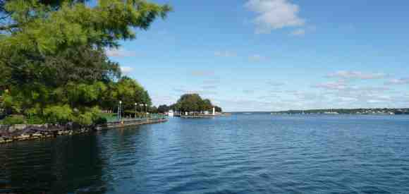 The Cottage Country Guide