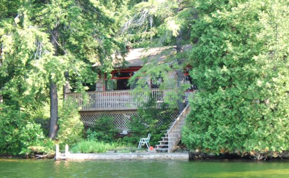 Charleston Lake Cottage